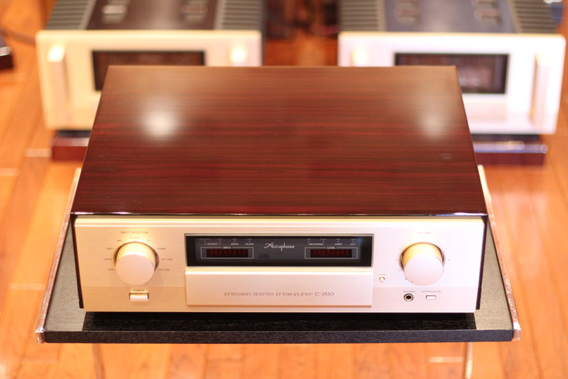 accuphase c-2820