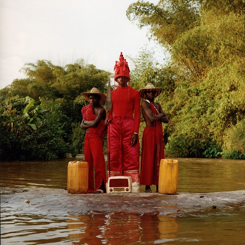 商品詳細 : PETITE NOIR (LP) LA MAISON NOIR / THE BLACK HOUSE【DLコード、ポスター付き!】