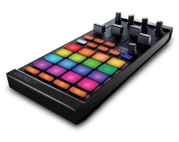Black Pioneer Pro DJ DDJ-WEGO3-K Controller