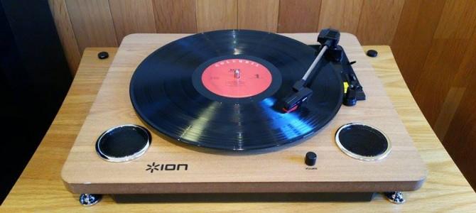 いま話題のレコードプレーヤー ION Audio Archive LPのご紹介です。