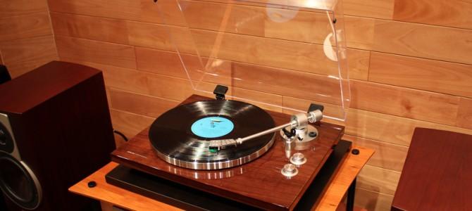 新発売のAKAIのレコードプレーヤー BT500のご紹介です。
