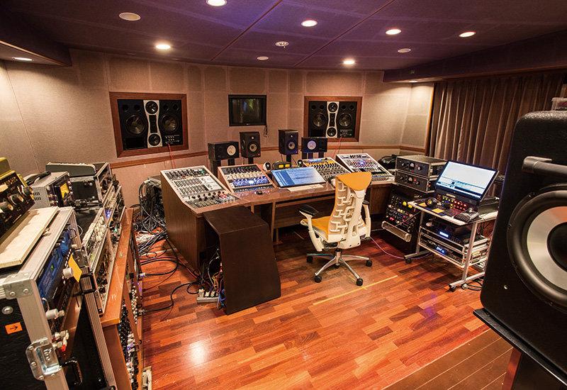 プライベートスタジオを作りたい!必要なものって?自宅をスタジオに。部屋から生まれる名曲。